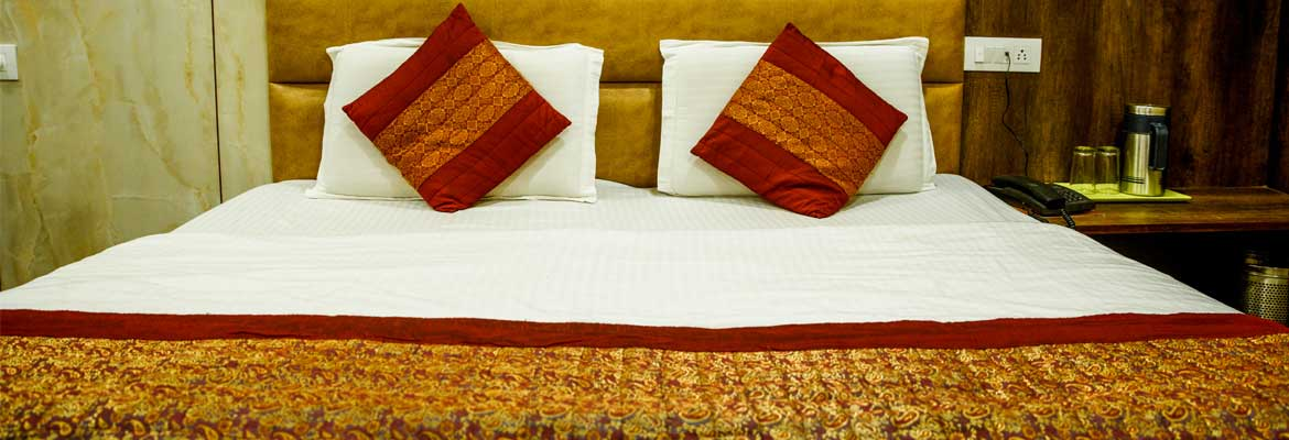 Deluxe Room in Hotel Raghunath in  Jammu
